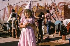 justicia en La Victoria shanty, Santiago, 1989 (Marcelo  Montecino) Tags: justiciaenlavictoriashanty santiago 1989 ninos