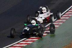 9l - Payne gets back ahead of Whelan (Boris1964) Tags: 2006 formulafordfestival brandshatch