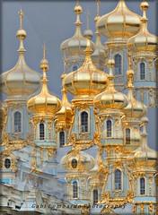 Russian Souvenir (gabi lombardo) Tags: russia cupole kuppeln architettura kirche iglesia church reflections golden travel finestre ventanas windows fenster