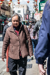 People of Chinatown 4 (benakersphoto) Tags: sanfrancisco san francisco sanfran street streetphotography streetphoto streets colorstreetphotography nikon nikkor digital chinatown city citylife citystreets california