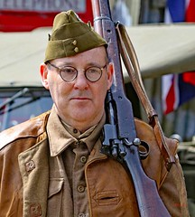 Haworth 1940's Weekend 2017 (grab a shot) Tags: canon eos 7dmarkii haworth haworth1940sweekend england uk yorkshire westyorkshire brontecountry reenactment livinghistory war worldwar2 ww2 wwii 1940s homefront oldfashioned vintage warweekend people outdoor man homeguard soldier unifor military 2017 uniform army male