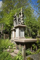 Abney Park (London Less Travelled) Tags: uk unitedkingdom england britain london city suburb urban stokenewington park abneypark grave cemetery
