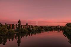 Sonnenaufgang... (hobbit68) Tags: sunset 🌅 sonnenaufgang river frankfurt fechenheim main himmel clouds baum wasser water kirche
