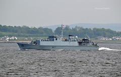 HMS Pembroke (Zak355) Tags: rothesay isleofbute bute scotland scottish navy royalnavy minesweeper minehunter ship shipping boat vessel riverclyde m107 hmspembroke training exercise