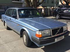 1987 Volvo 240 GLE (Older and rare cars in Norway) Tags: volvo 240 gle 1987 carspotting