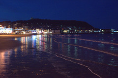Scarborough beach at night (Tony Worrall) Tags: britain english british gb capture buy stock sell sale outside outdoors caught photo shoot shot picture captured scarborough england regional region area northern uk update place location north visit county attraction open stream tour country welovethenorth night evening lights dusk resort seaside seasidetown town beach wet sea water seashore waves castle lit sandy