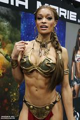 IMG_6123 (willdleeesq) Tags: cosplay cosplayer cosplayers lacc lacc2017 lacomiccon lacomiccon2017 losangelesconventioncenter losangelescomiccon losangelescomiccon2017 stanleeslacomiccon princessleia starwars slaveleia