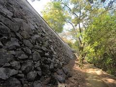 Ote vN wall _orig_LG (Hazbones) Tags: iwakuni yamaguchi yokoyama castle kikkawa suo chugoku mori honmaru ninomaru demaru wall armor samurai spear teppo gun matchlock map ropeway