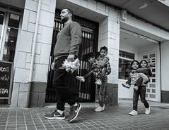 Escalas evolutivas (J. Garcia2011) Tags: momocromo monochrome byn blancoynegro bn blackandwhite bw callejera calle streetphotography street valencia comunidadvalenciana panasonic gx80