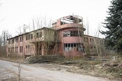 (le Donaldist) Tags: flugplatz gssd wgt ddr gdr coldwar sowjetunion rotearmee kalterkrieg kaserne ehemalige