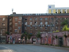 The Hotspur Press (stillunusual) Tags: manchester mcr city england uk manchesterstreetphotography streetphotography street cityscape urban urbanscenery urbanlandscape building architecture urbandecay decay abandoned abandonedbuilding derelict derelictbuilding 2018