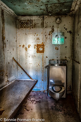 20171120_LANCASTER and WV_20171120-BFF_4943WV Penitentiary (Bonnie Forman-Franco) Tags: penitentiary abandoned abandonedphotography abandonedprison abandonedpenitentiary abandonedphotographer lockup cell jailcell jailbed jailtoilet noprivacy photoladybon bonnie photography photographybywomen photographer westvirginia westvirginiapenitentiary westvirginiaprison moundsville nonhdr museum imprisoned