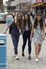 Fashion & Style, Skegness (dagomir.oniwenko1) Tags: face female fashion street style summer skegness lincolnshire life gb girls women portrait people england mode dresses dress canon candid canoneos60d color