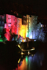 VG_OSM (véroniquegresse) Tags: ville nuit éclairages reflets lueur maison bâtiment lumières projection centreville urbain monuments patrimoine