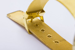 Golden Wrist Watch (Alvimann) Tags: alvimann wrist watch wristwatch agujas aguja model design diseño new nuevo golden gold dorado oro unbranded sinmarca marca china chino chinese industrial montevideouruguay montevideo fotografia producto fotografiadeproducto productphotography product photography marketing brand branding