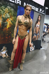 IMG_6122 (willdleeesq) Tags: cosplay cosplayer cosplayers lacc lacc2017 lacomiccon lacomiccon2017 losangelesconventioncenter losangelescomiccon losangelescomiccon2017 stanleeslacomiccon princessleia starwars slaveleia