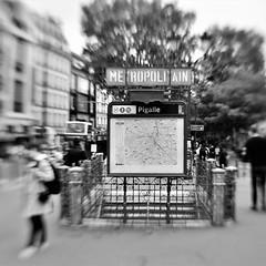 Paris Louvre Tour de Eiffel💞 #paris #parisienne #eiffelturm #parisereiffelturm #france #frankreich #tourdeeiffel #trocadero #blackandwithe #blackandwhitephotography #blackandwhitefotography #monochrome #schwarzundweiß #schwarzweiss #schwa (nikoraffsd850) Tags: blackandwithe louvre monochrome schwarzweissbild blackandwhitephotography frankreich lensbaby eifelturm tourdeeiffel lensbabysweet35 blackandwhitefotography trocadero paris parisienne lensbabycomposer france eiffelturm schwarzundweis parisereiffelturm schwarzweiss lensbabylove schwarzundweissfotografie