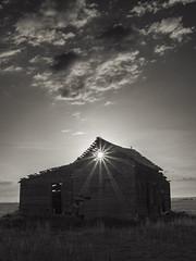 20180521-Mossleigh Sunrise (hildermanphoto) Tags: sunrise prairie abandoned