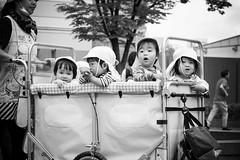Taxi (frank.gronau) Tags: schwarz weis strase street white black kindergarten kids children kinder jakarta osaka alpha sony gronau frank