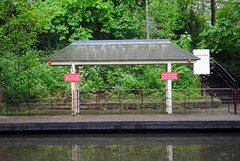 London Zoo Mooring Point (zawtowers) Tags: jubilee greenway section 2 walk saturday 28th april 2018 cloudy damp littlevenicetocamdenlock regents canal amble stroll walking exploring london urban zoo zsl mooring point warning sign beacon flashing