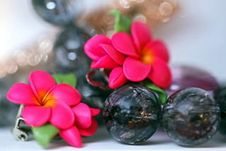 Perfumed Plumeria earings and Quartz rutilé bracelet to be Ready for the Day