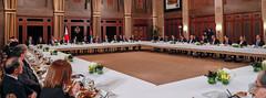 جلالة الملك عبدالله الثاني يقيم، بحضور سمو الأمير الحسين بن عبدالله الثاني ولي العهد، غداء عمل تكريما لرئيس الوزراء الياباني شينزو آبي والوفد المرافق الذي يضم رؤساء تنفيذيين لعدد من كبرى الشركات اليابانية (Royal Hashemite Court) Tags: kingabdullahii hrh crownprince cp al hussein bin abdullah ii japan primeminister pm delegation jordan royalhashemitecourt rhcjo
