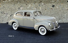 1940 Ford Deluxe Tudor Sedan (JCarnutz) Tags: 124scale diecast danburymint 1940 ford deluxe tudorsedan