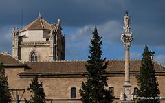 Virgen del Triunfo y cimborrio del Hospital Real (Landahlauts) Tags: 1511 1599 1632 alandalus andalousie andalouzia andalucia andalusië andalusia andalusie andalusien andalusiya andaluzia andaluzio andaluzja arquitectura avenidadelhospicio barriodesanildefonso cimborrio ciudaddegranada comarcadelavegadegranada crucero edadmoderna endulus enriqueegas fuentedeltriunfo fuentedeltriunfodelainmaculadaconcepcion fujifilmxt1 gotico granada hospitalreal inmaculadaconcepcion jardines jardinesdeltriunfo jardinespublicos martindebolivar melchorarroyo monumento mudejar pedrodemena photolanda plazadeltriunfo plazadeltriunfodelainmaculadaconcepcion plazapublica rectorado renacimiento triunfo triunfodelainmaculadaconcepcion ugr universidaddegranada virgen virgendeltriunfo xf18135mmf3556rlmoiswr coragranadina