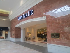 Von Maur (Random Retail) Tags: eastviewmall mall store retail 2017 victor ny vonmaur recycle reuse remodel former bonton