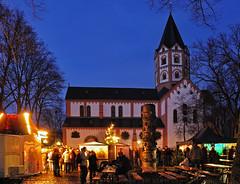 Weihnachtsmarkt auf dem Gerricusplatz (nin.zara) Tags: nacht kirche weihnachtsmarkt christmass market church night germany deutschland düsseldorf nikond90