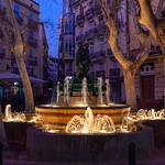 Plaça de Rodrigo Bote at dusk thumbnail