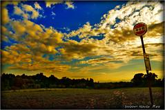 中央バス 半谷前... (SHADOWY HEAVEN Aya) Tags: 08090470a0105 北海道 日本 ファインダー越しの私の世界 写真好きな人と繋がりたい 写真撮ってる人と繋がりたい 写真の奏でる私の世界 coregraphy japan hokkaido tokyocameraclub igers igersjp phosjapan picsjp 空 雲 outdoor landscape paysage cloud clouds sky sunset dusk バス停 busstop 夕焼け