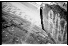 läuft (maurobosnjak) Tags: analog blackandwhite schwarz weis