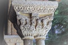 Finesse du sculpteur (J J D) Tags: sculpture moissac abbaye cloître