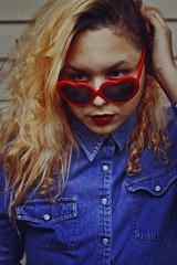 Jen, 2016 (TheJennire) Tags: photography fotografia foto photo canon camera camara colours colores cores light luz young tumblr indie teen heartshapedsunglasses people portrait makeup redlips coralsalmon coralhair curlyhair jeans denim fashion style self 2016 50mm closeup