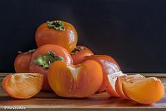 Kaki - Caqui - Persimmons (MFMarcelo) Tags: kaki fruit closeup caqui persimmons orange