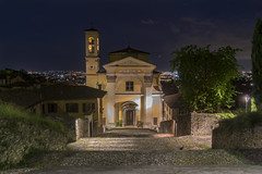 Chiesa di Santa Grata - Bergamo alta (M-Gianca) Tags: bergamo chiesa church sony a6500 zeiss notte città city
