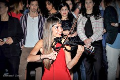 violon féminin (ioriogiovanni10) Tags: goodnight passione red face eyes rome musica violino girl femme féminin violon