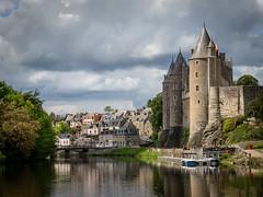 Josselin, Bretagne (Brittany) Château and village (Bob Radlinski) Tags: bretagne chateaudejosselin europe france josselincastle travel morbihan loust