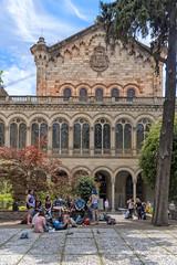 Barcelona University, Spain (Ingunn Eriksen) Tags: barcelona barcelonauniversity barcelonauniversitat spain catalonia architecture people nikond750 nikon