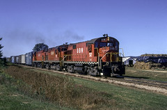 The Right Leader. (ac1756) Tags: gbw greenbaywestern greenbayroute alco rs27 2 almacenter wisconsin 318