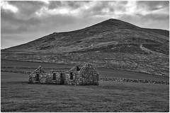 A modern ruin (decovision84) Tags: ruin house green mountain rawireland northernireland mourne slieve binnian stone