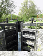 Lock, Monmouthshire-Brecon Canal, Gwasted Bridge, Blaen y Pant Crescent, Newport 3 May 2018 (Cold War Warrior) Tags: lock canal gwasted newport