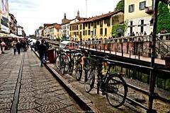 """Naviglio Grande.""""Movida"""" (SALVO 1) Tags: naviglio milano grande città biciclette"""