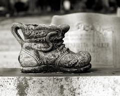 Shoes for the Dead (Mike McCall) Tags: copyright2018mikemccall photography photo image usa culture southern america thesouth unitedstates northamerica south georgia chatham county laurel grove laurelgrove savannah africanamerican custom funeral death religion grave memorial cemetery mortality mortal immortality tradition tribute nature stone marble statuary symbol symbolism shoe