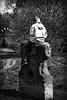 OKSF 145 (Oliver Klas) Tags: okfotografien oliver klas street streetfotografie streetphotography strassenfotografie streetart streetphotographer streetphoto schwarzweis schwarzweissfotografie blackandwhite monochrom personen people menschen persons kinder children kids deutschland germany stadt city kunst art sitzen klettern spielen spielplatz ausruhen ruhe warten de
