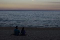 O Casal, a praia e o pôr do sol (Espiral Fotografia) Tags: praia beach praiadosono pôrdosol sunset sea mar paraty riodejaneiro