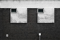 Silver Street Head (Delay Tactics) Tags: sheffield wall windows bricks sign black white bw film