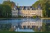 Château de Courances et son miroir d'eau (Courances Castle) - France (Gari VALDEN) Tags: courances château miroir fontaine france canon 135mm castle fontain reflet reflexion