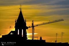 skyline (jose alberto_sg) Tags: sevilla torre gua skyline lineadelcielo naranjas contraluz
